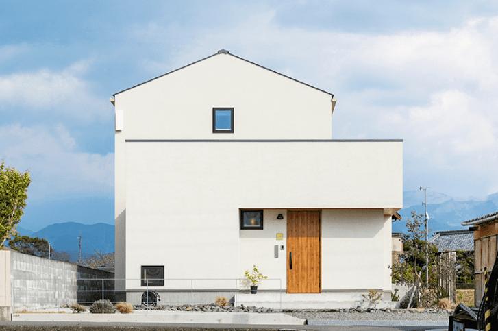 木と漆喰と石でつくる自然素材の家