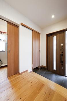 59.5坪の家の内観(玄関)