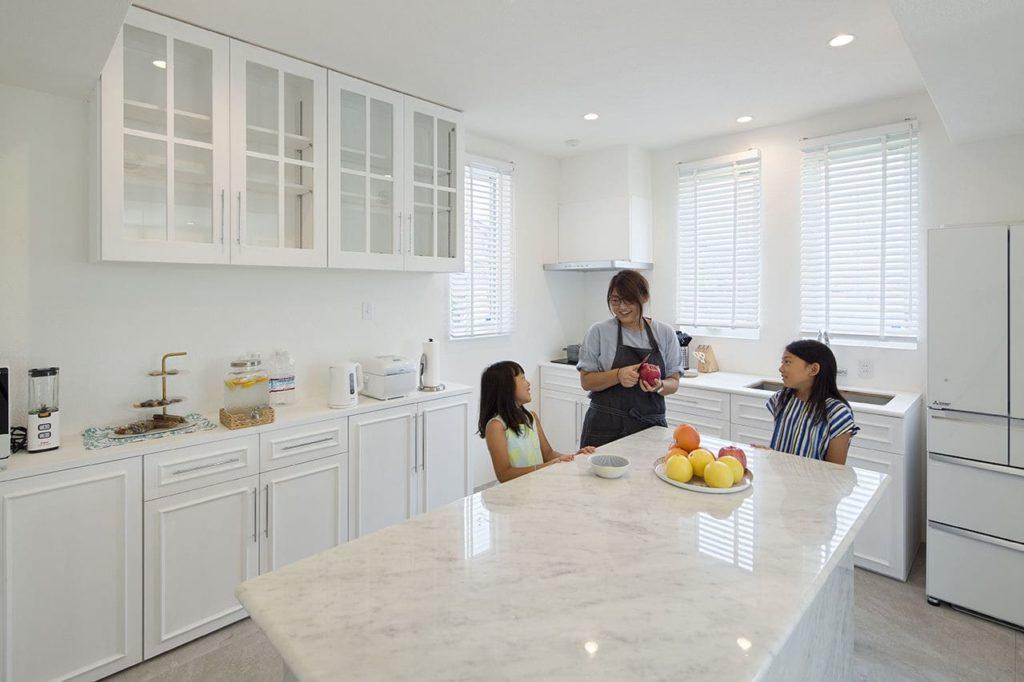 注文住宅で4000万円台の家の内観(キッチン)