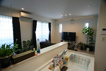 71.0坪の家の内観(キッチン)