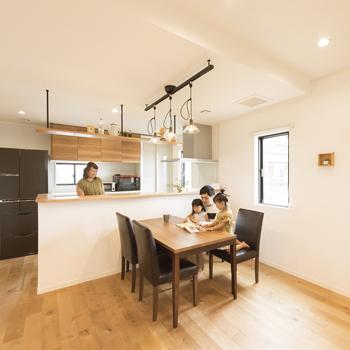 56.9坪の家の内観(キッチン)