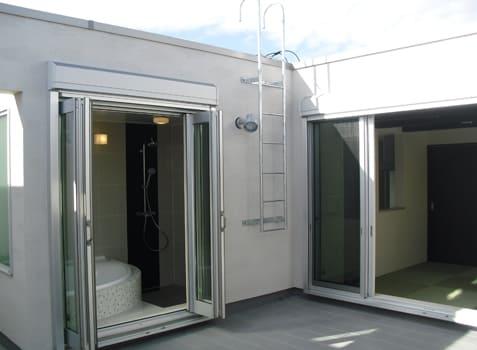 注文住宅で5000万円以上する家の内観(バルコニー)