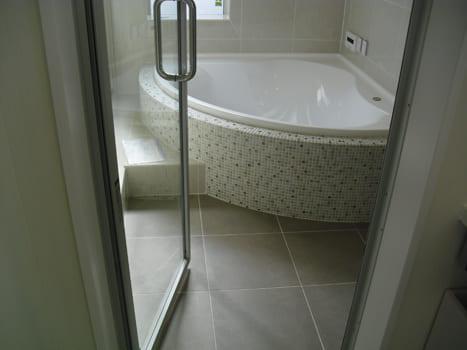 注文住宅で5000万円以上する家の内観(浴室)