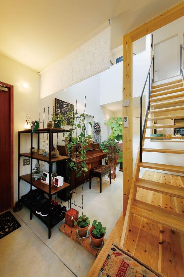 ローコスト住宅の内観(玄関)