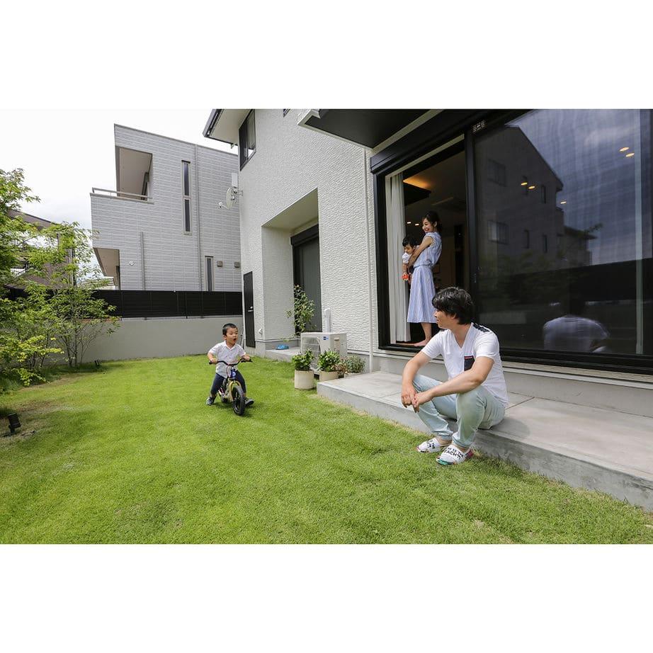 60.3坪の家の内観(中庭)