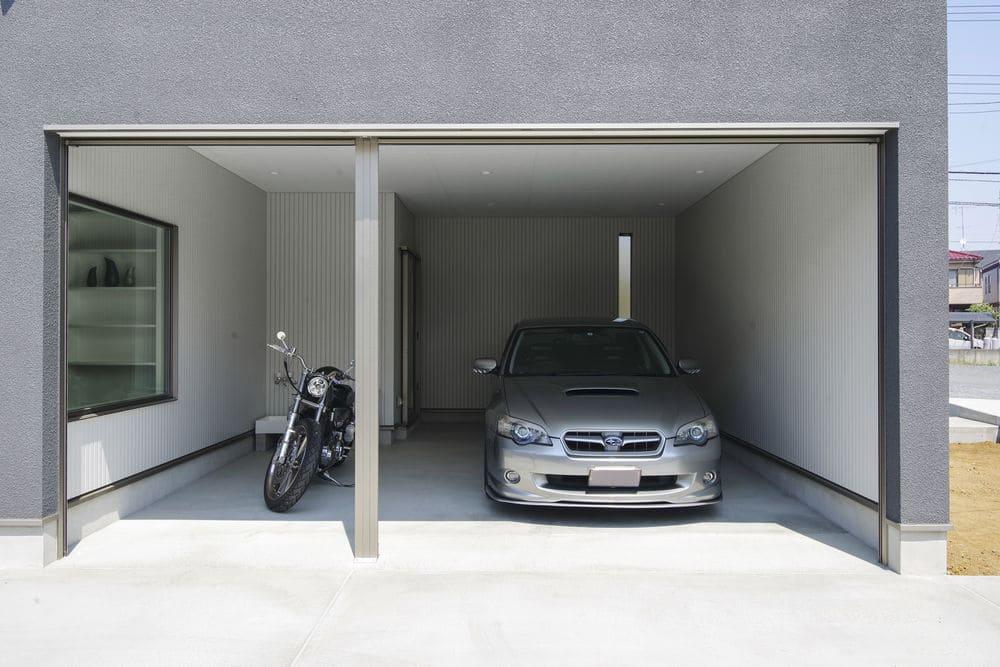 平屋のガレージハウスの外観