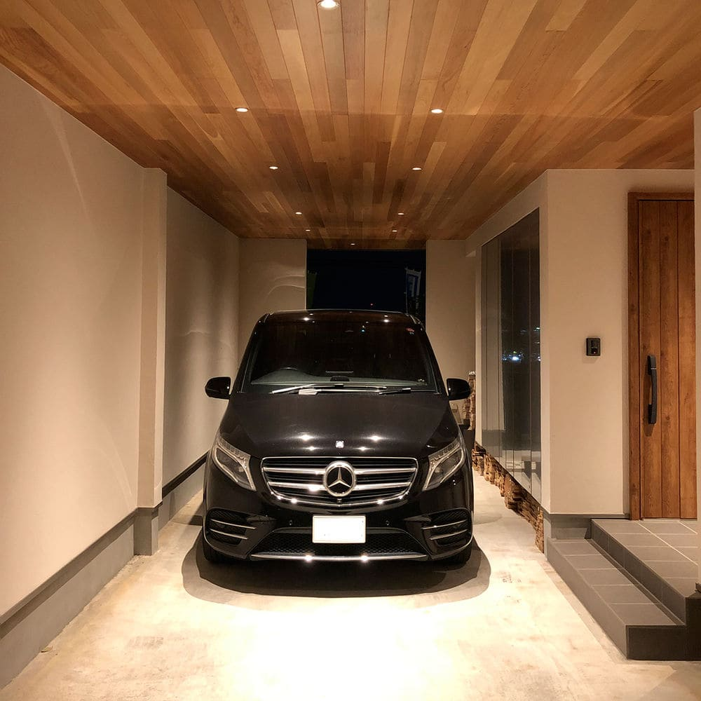 注文住宅で5000万円以上する家の内観(ビルドインガレージ)