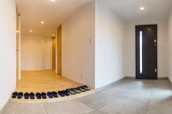 57.8坪の家の内観(玄関)