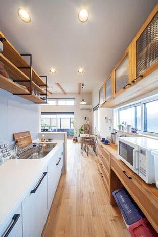 3階建ての家のキッチン