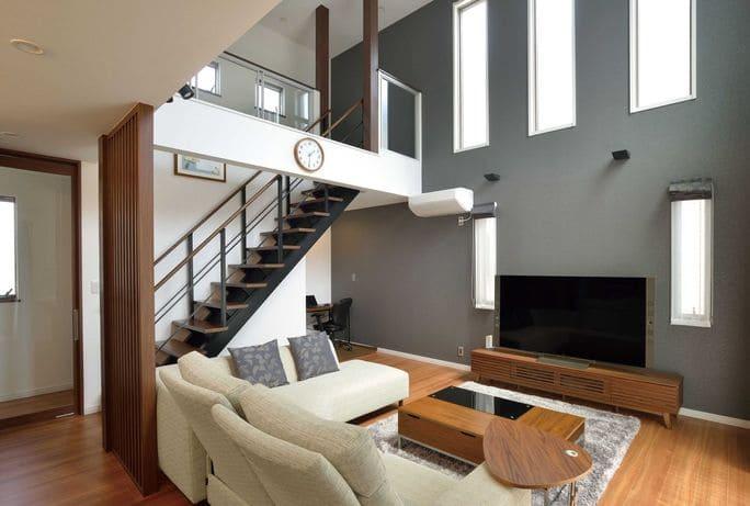 3階建ての家のリビング