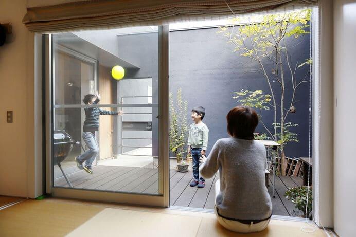 中庭のある家の和室